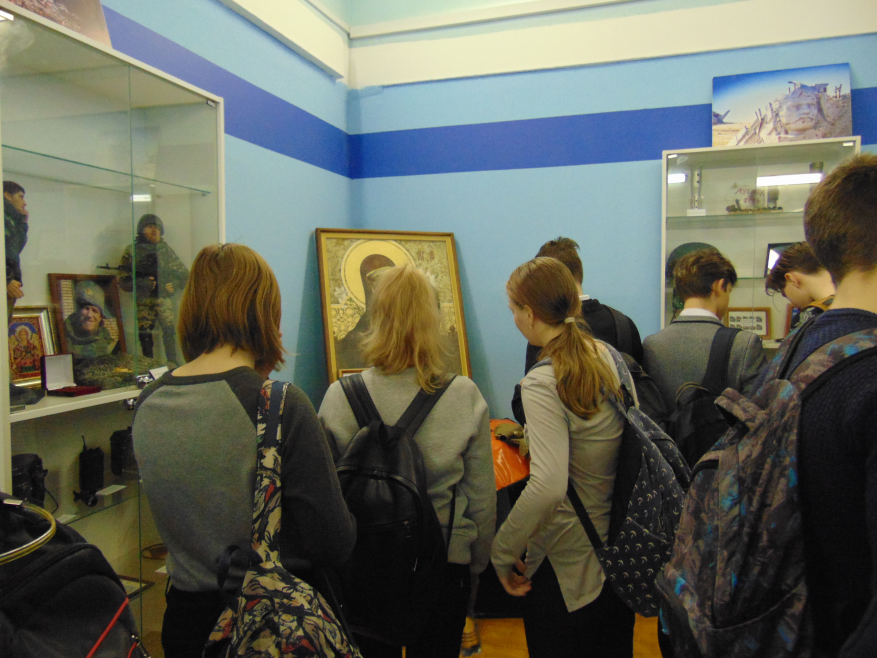 Слушали о войне с замиранием сердца: молодежи в России небезразличнасудьба русского Донбасса